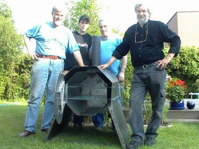 Die stolzen Erbauer: Rainer, Sven, Nove und Peter (v.l.)