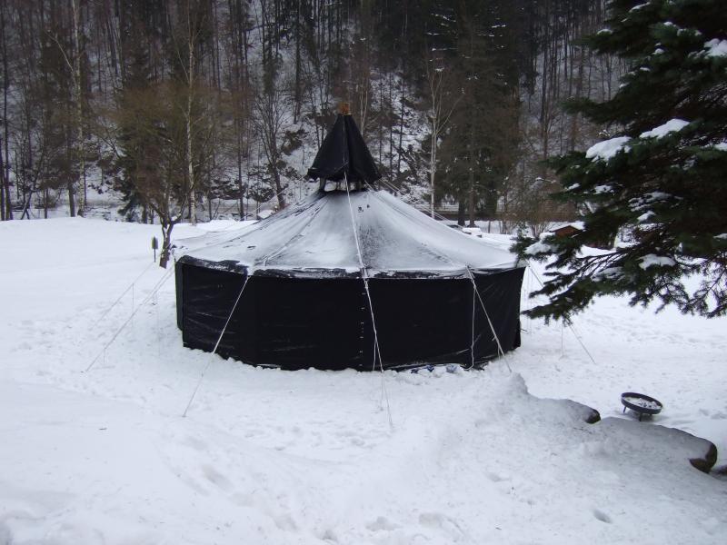 Jurte im Schnee
